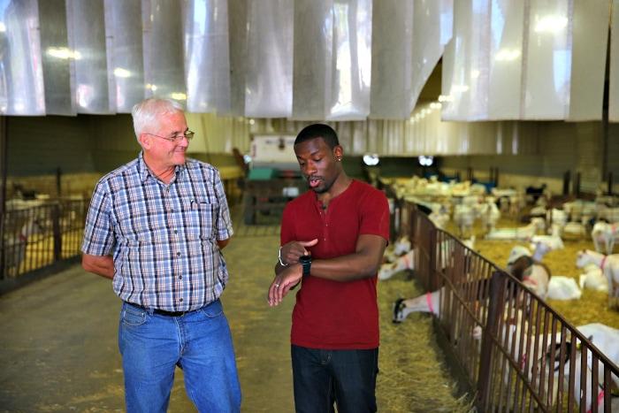 U.S. Cellular Smart Farm Program Keeps Farmers Connected 4