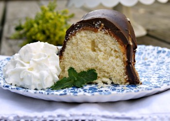 Twix Candy Bar Bundt Cake Recipe 2