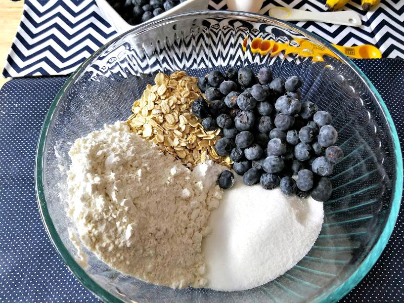 Blueberry-Banana Oat Breakfast Muffins step 1
