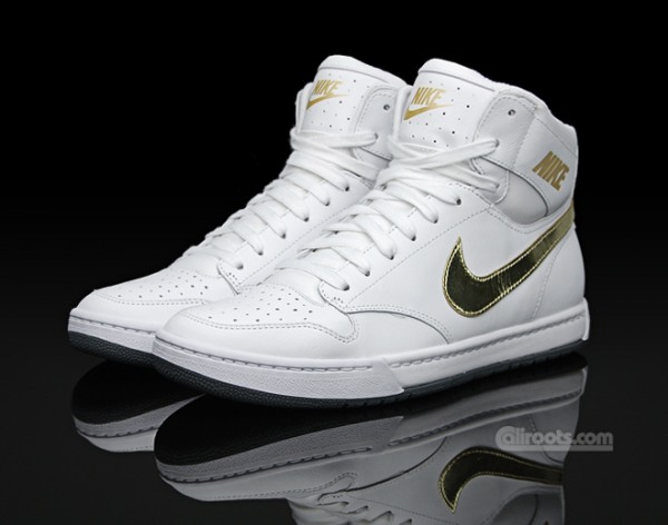 We introduce you so many high tops Nike sneakers for men.