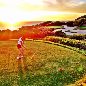 Jenna-golfing-on-spring-break