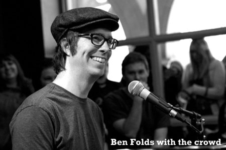 Ben-Folds-with-the-crowd-450