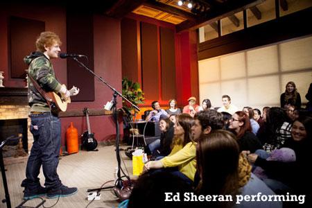 Ed-Sheeran-performing-450