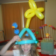 A fun thing to do with kids in Connecticut, Lorax Party hats, balloon hats The Lorax, Dr. Seuss Birthday Party Ideas, Lorax Birthday Party Ideas, Dr. Seuss Crafts, Crafts with kids
