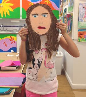 photosslider-girl-with-self-portrait