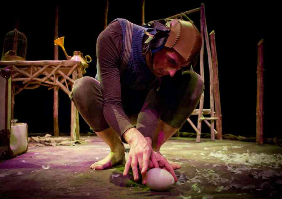 Egg by Cahoots NI. Image courtesy of EQT Children's Theater Festival