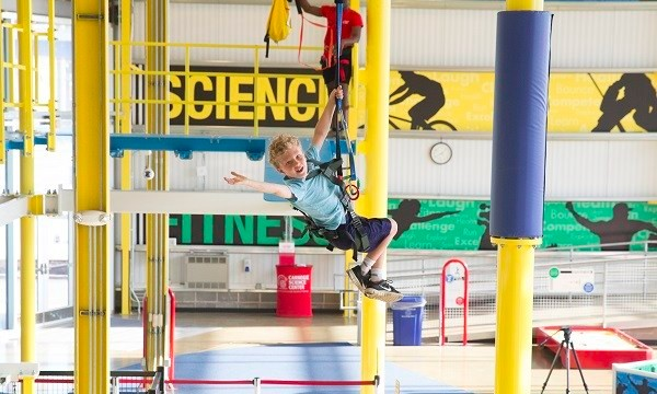 6 ways kids can defy gravity on Pittsburgh ziplines and ropes courses
