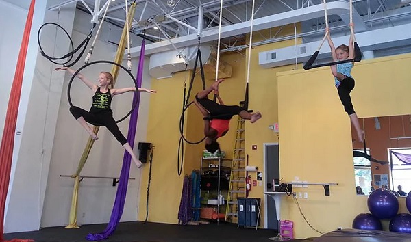 Cirque dreams: Kids learn wild and zany skills at these Pittsburgh circus art classes