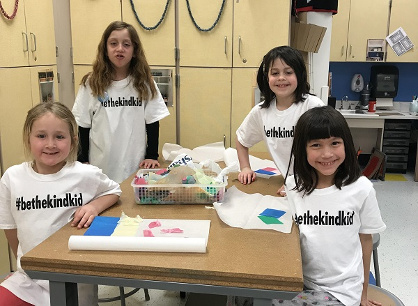 Avonworth girls club prompts students and staff to #bethekindkid