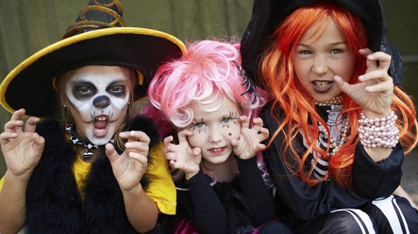 Kidcast focuses on Halloween trick-or-treat safety