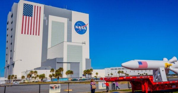 Inside NASAs Vehicle Assembly Building