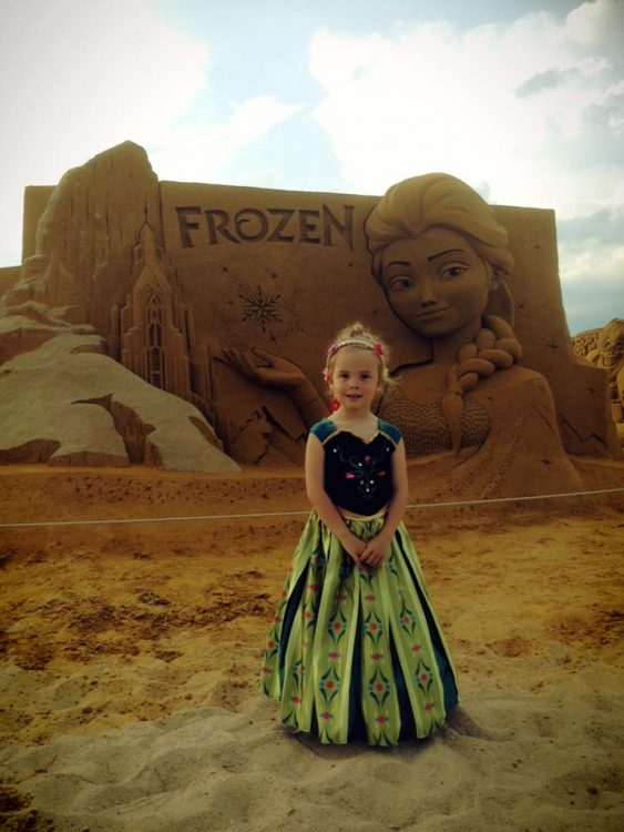 Zandsculpturen Festival: Frozen Summer Fun