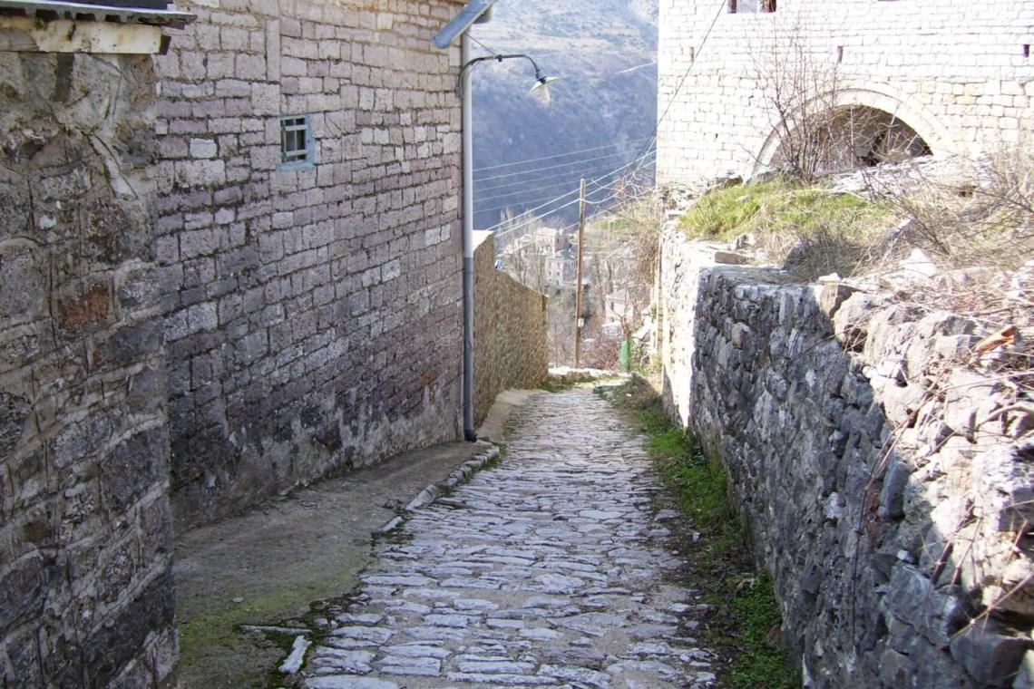 kararrytes village Tzoumerka KidsLoveGreece.com