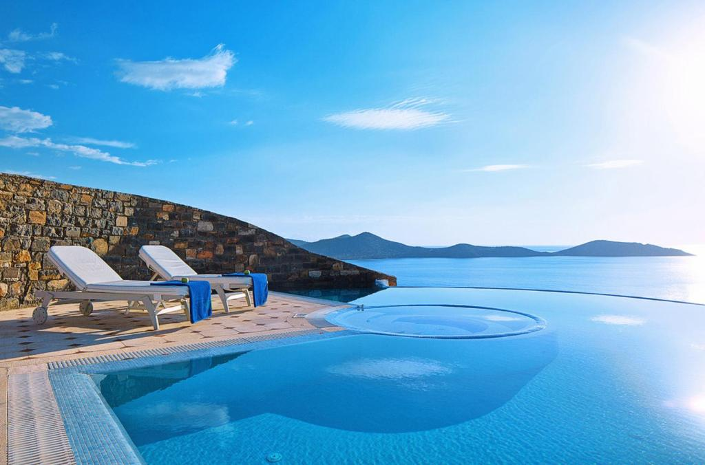 Elounda Gulf villas KidsLoveGreece.com accommodation