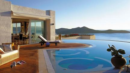 elounda gulf villas and suites luxury accommodation for families kids love greece Crete