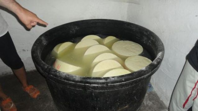 Παρασκευή τυριού και ψωμιού