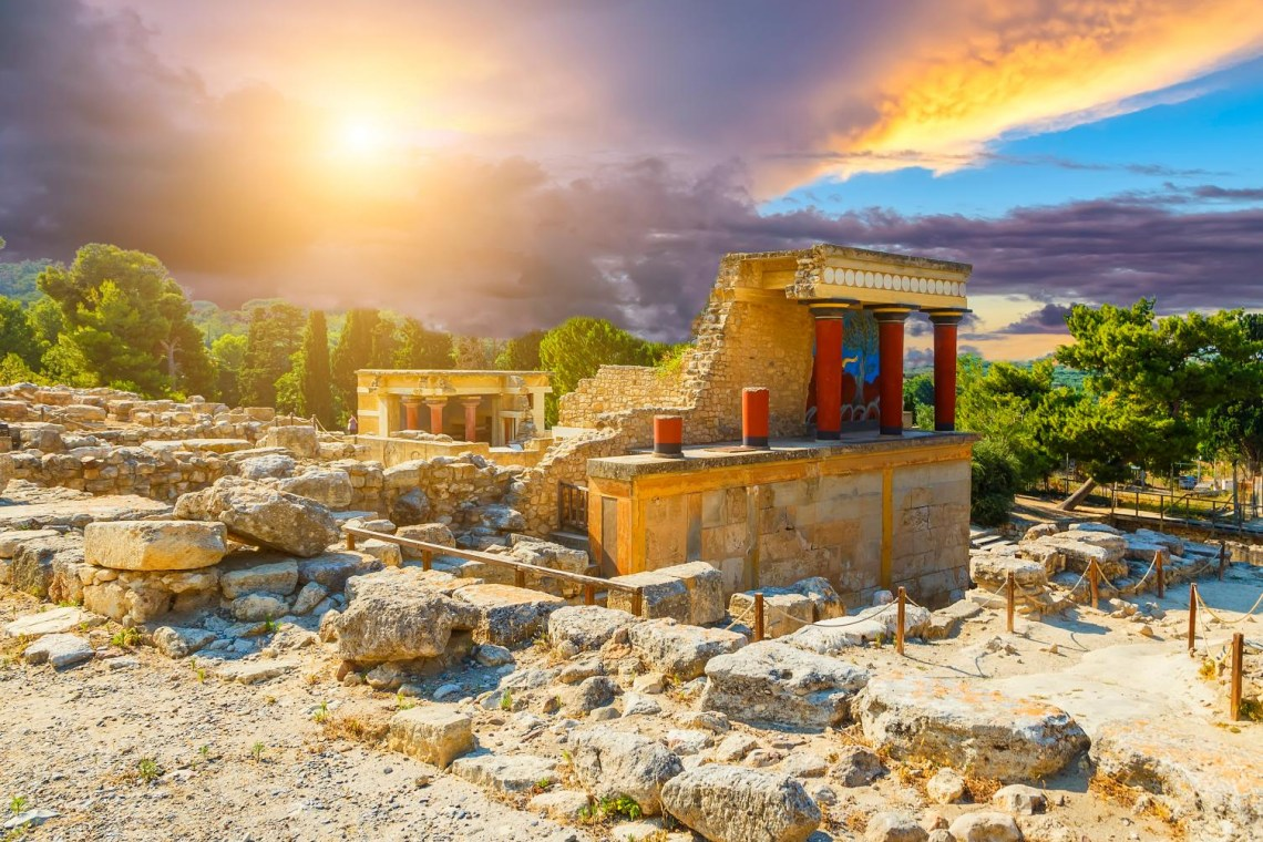 Knossos palace wonder