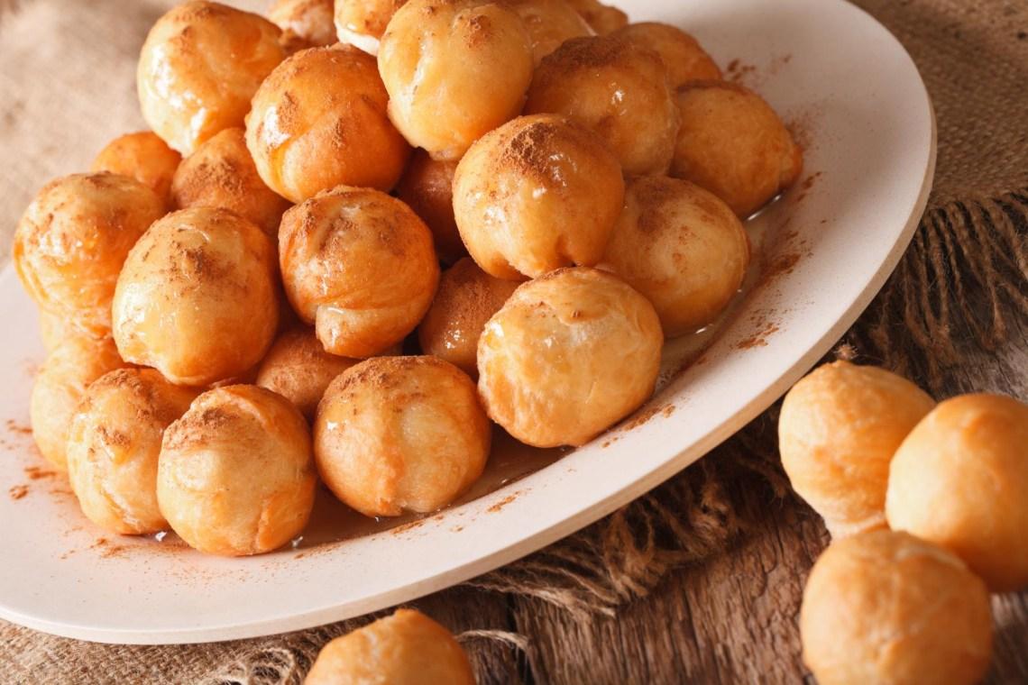 loukoumades pastry greek food vegetarian KidsLoveGreece.com