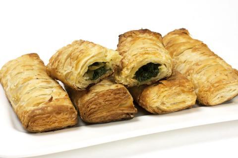 small spinach pies greek food spanakopitakia