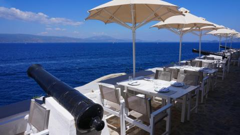 canons of Hydra restaurant