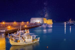 Koules fortress Heraklion kids love greece