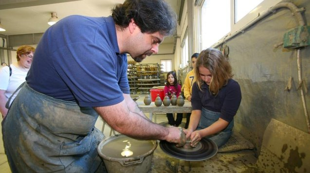 A Story on a Vase – A Private Pottery workshop for Families