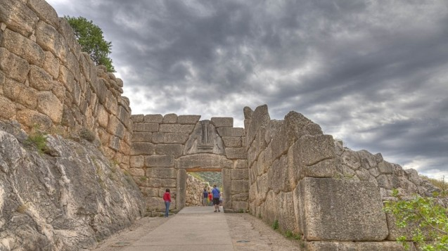 2-day family tour in peloponnese mycenae kids love greece actιvities packages for families