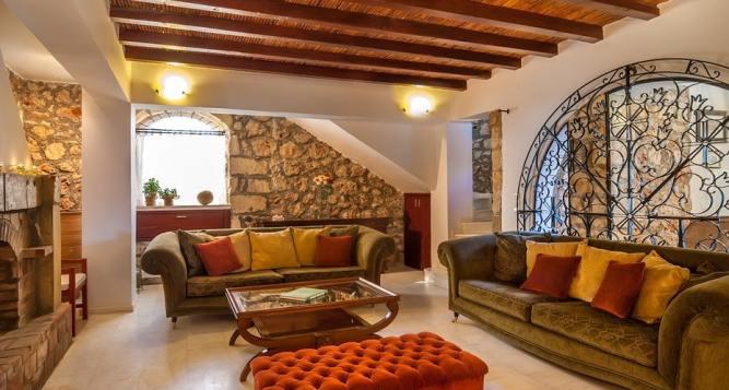 Family Pool Villa Castro, Chania