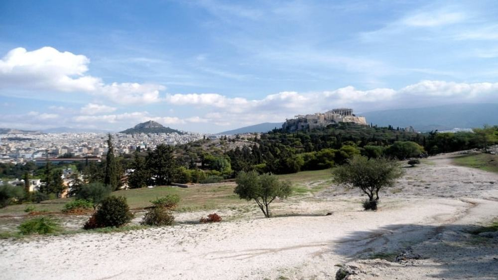Athenian Hills and Hidden Anafiotika Family Tour