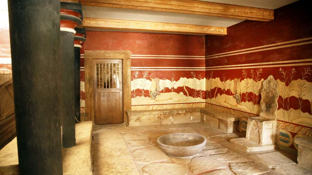 Private Family Guided Tour at the Palace of Knossos plus a Private Pottery Workshop