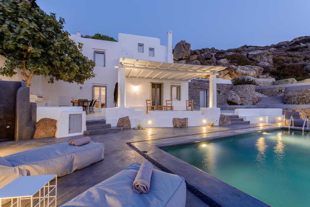 Orkos 2 family villa Naxos island Venti kids love greece accommodation for families