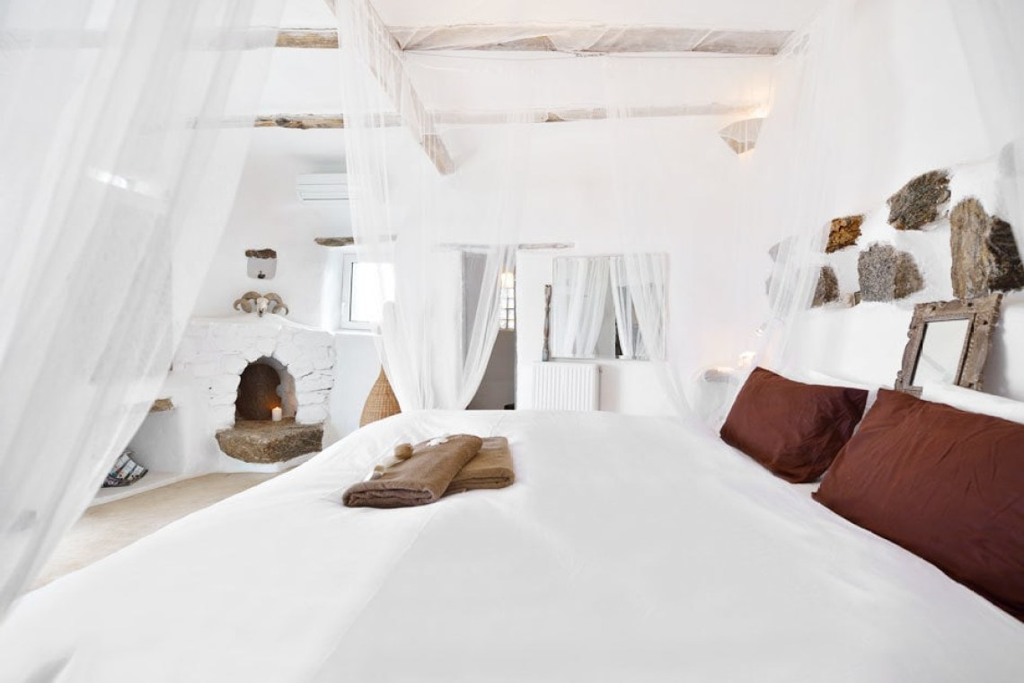 kids love greece accommodation for families the Drakothea family residence in Myconos island luxury villa cyclades