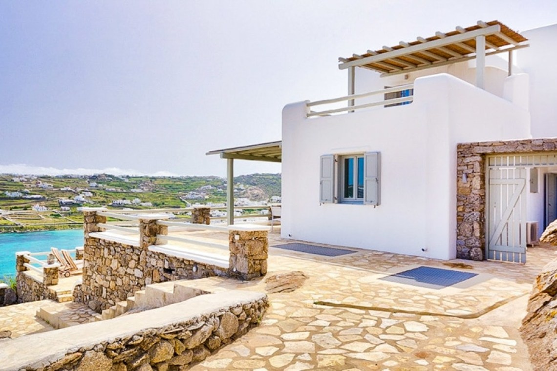 Cyclades Ornos bay spacious family vacation villa in Mykonos island accommodation for families Sophia residence kids love greece