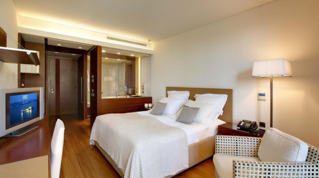 nafplia palace hotel family room