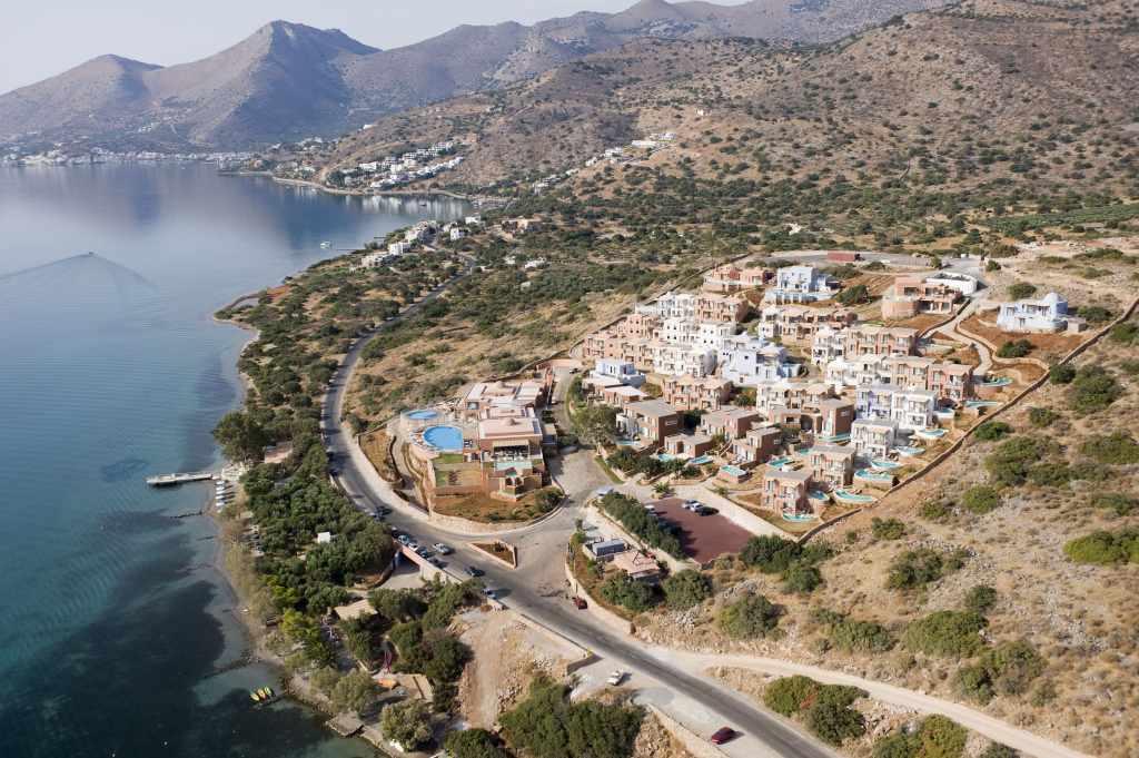 Domes of Elounda Marriott Autograph collection hotel Crete popular families seeking luxurious accommodation Lassithi Spinalonga 5 star kids children sandy beach kidslovegreece