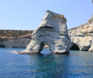 Sailing around Milos – A fun, family sailing adventure (small group)