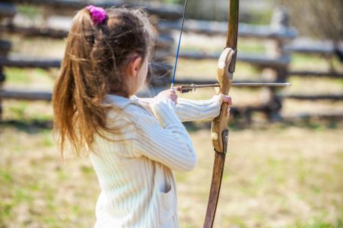 archery activity kidslovegreece.com