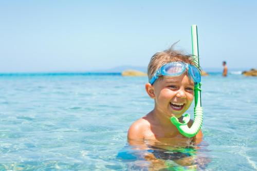 snorkeling activity KidsLoveGreece.com