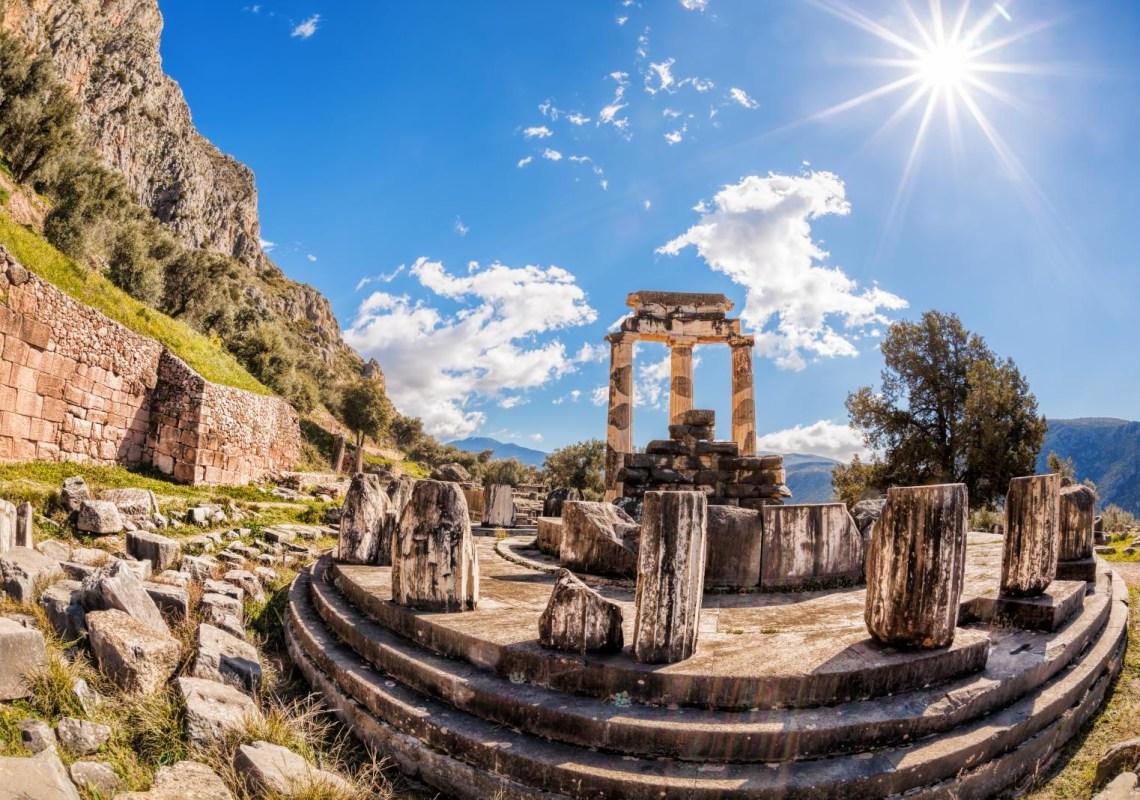 Delphi columns Percy Jackson day trip