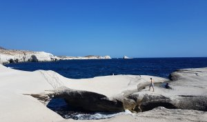 '5 Cool Beaches in Milos Island - Experience Milos With Kids Love Greece