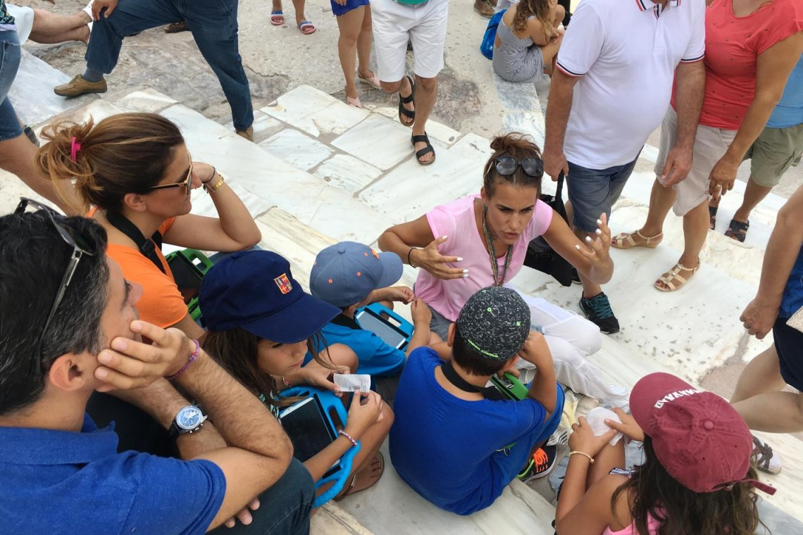 family guided tour in Acropolis for younger kids
