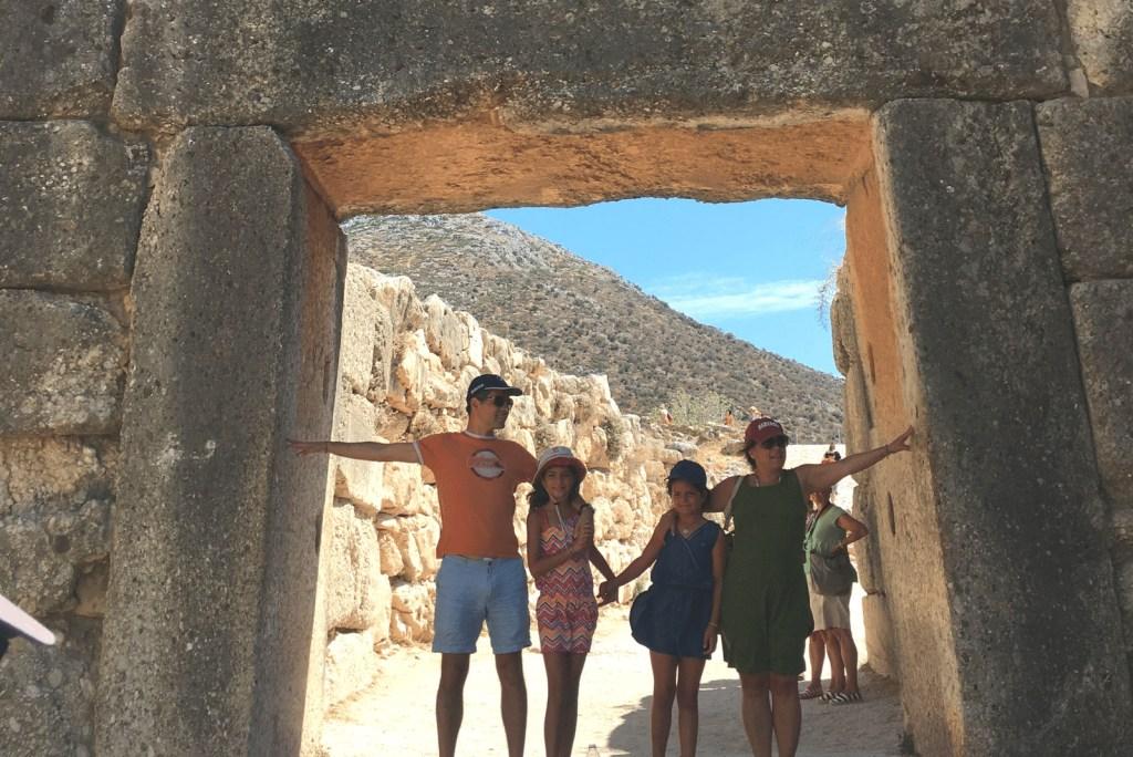 Family friend guide for kids Mycenae
