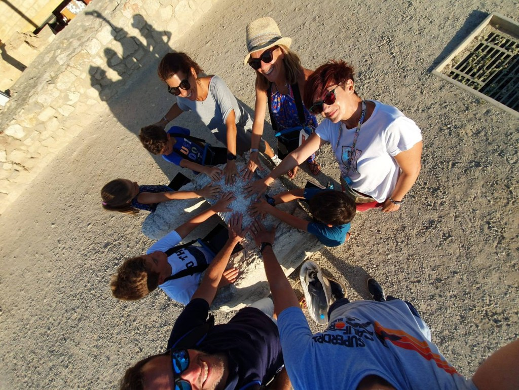 Family friendly Tour in the Palace of Knossos with kids Crete (12)