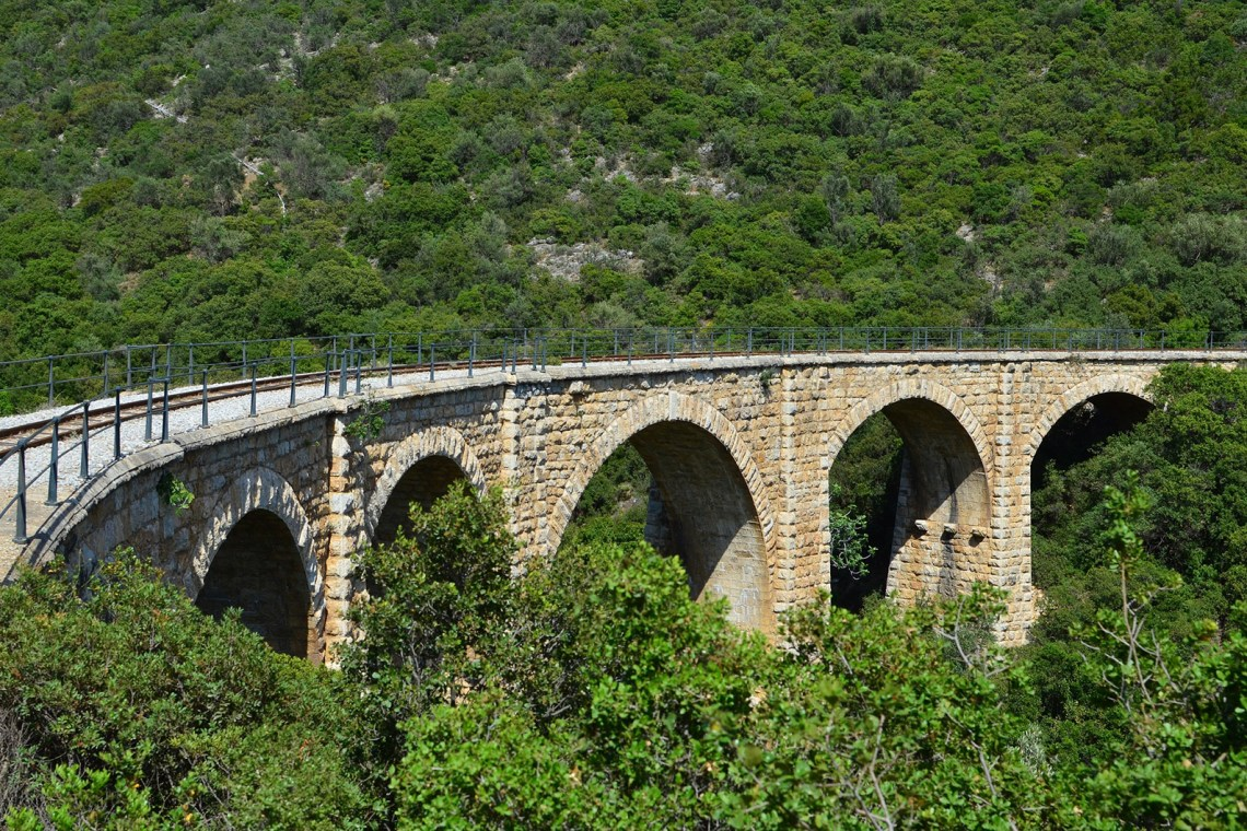 olos-pelion-greece rails bridge