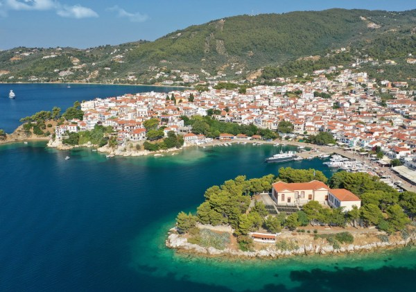 Top 7 Things to Do in Skiathos with Kids [2021]