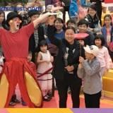 免費親子活動:英國小丑達人The Funnyman及雜技舞蹈姐妹花施展絕技@奧海城 [17/12/2016]