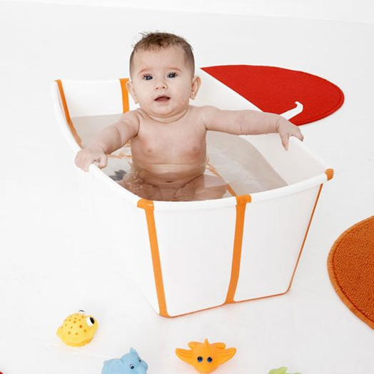 Foldable Baby Bathtub With A Color Changing Drain