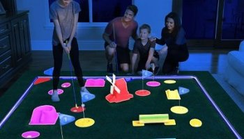 Glow-In-The-Dark-Mini-Golf-Course