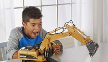 RC-Working-Excavator