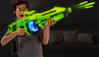 Glow-In-The-Dark-Rapid-Fire-Blaster